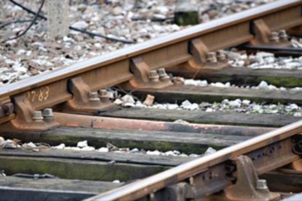 İki tren çarpıştı, 50 yaralı