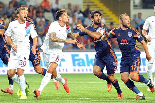 Trabzonspor son dakikalarda 1 puanı kurtardı