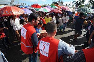 Türk Kızılayı Filipinler'de yara sarıyor