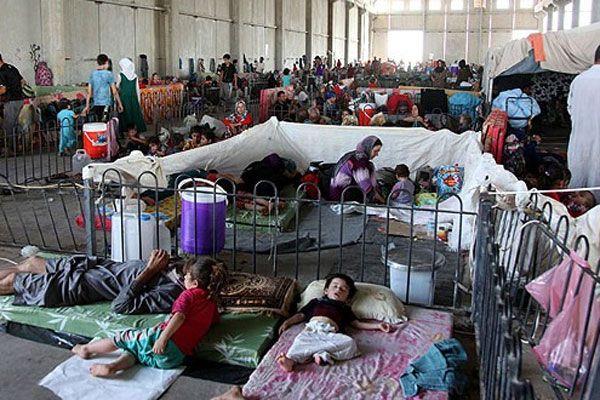 Türkmenler inşaat depolarına sığındı