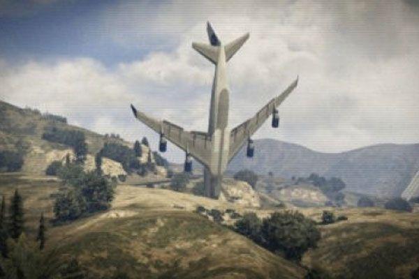 Devlet Başkanı adayını taşıyan uçak düştü