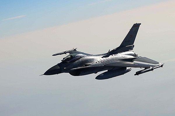 Türk F-16'sına Suriye'den füze tacizi