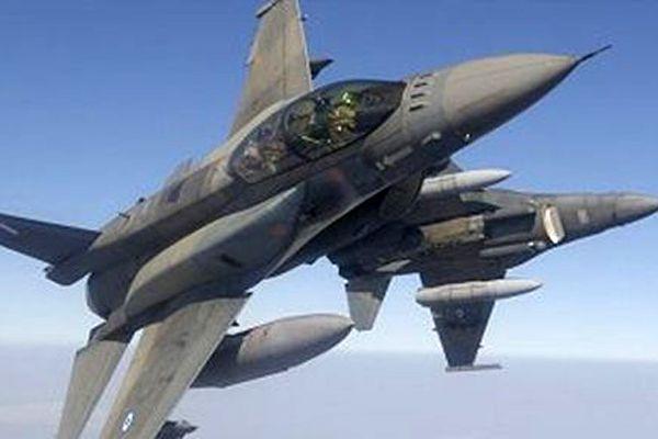 Yunan savaş uçaklarından taciz!