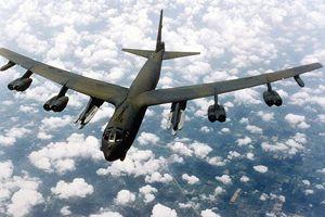 Çin'de savaş uçağı düştü