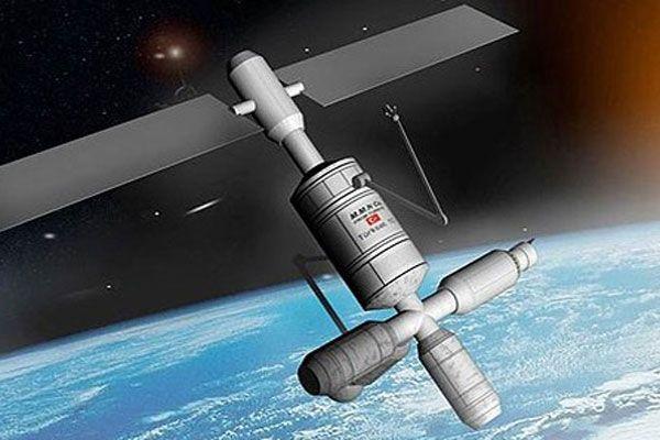 Türkiye iki yeni uydu için düğmeye bastı