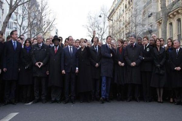Paris'teki tarihi yürüyüşte bir tek o yoktu