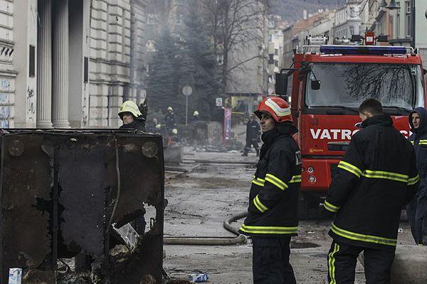 Saraybosna Kantonu hükümet binasında yangın çıktı