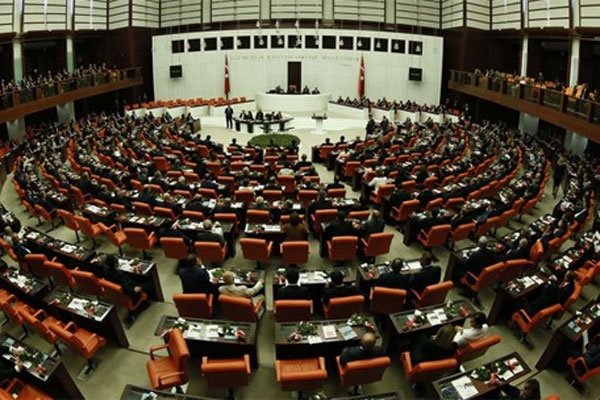 Yükseköğretim Personel Kanunu kabul edildi