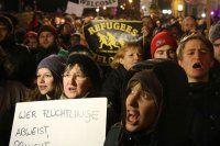 Almanya'da Müslümanlar sokağa çıkıyor