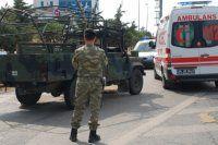 Askeri araç devrildi, 1 asker şehit oldu