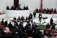 Erdoğan gelince CHP'liler ayağa kalktı mı?