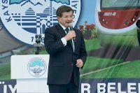 Davutoğlu, 'Zalimlere karşı mazlumun yanında olacağız'