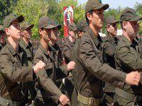Tasarı Meclis'ten geçti, askerlik yaşı artık 21 oldu