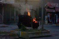 Cizre'de polis aracına molotoflu saldırı