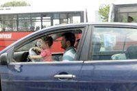 3 yaşındaki çocuk direksiyonda