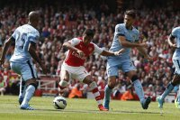 Arsenal Manchester City derbisinde 4 gol