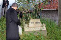 Davutoğlu Erdoğan'ın dedesinin mezarı başında dua etti