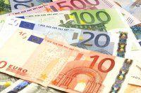 O ülke de Euro`ya geçiyor