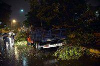 İstanbul'da şiddetli yağış ve fırtına etkili oldu