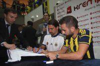 Fenerbahçe'den imza günü