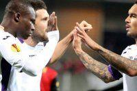 Fiorentina 10 kişiyle gülmeyi bildi
