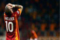 Galatasaray'da futbolcu ve tribün arasında gerginlik
