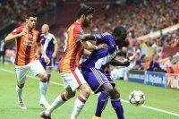 Galatasaray son anda beraberliğe razı oldu