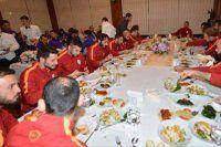 Galatasaray'da derbi öncesi moral yemeği