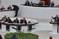 Kamer Genç yine Meclis'i karıştırdı