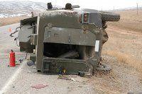 Askeri araç kaza yaptı, 1 şehit, 2 yaralı