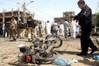 Pakistan'da bombalı saldırı, 30 yaralı