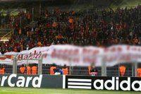 Galatasaraylı futbolcuları şaşkına çeviren pankart