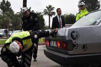 Mersin'de polisleri şaşkına çeviren egzoz sistemi