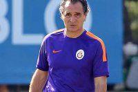 Galatasaray'da Prandelli'nin doğum günü kutlandı