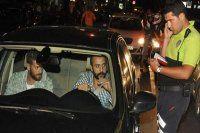 Ünlü oyuncu polis motoruna çarptı!