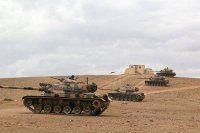 Sınıra tanklar sevkedildi