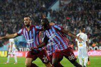 Trabzonspor Lokeren'i 2-0'lık skorla rahat geçti