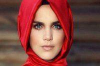Tuğçe Kazaz Müslüman oldu