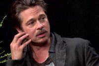 Brad Pitt sunucunun yüzüne böyle tükürdü -İZLE