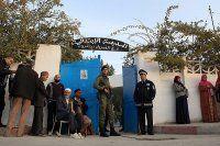 Tunus'ta 5 milyon kişi cumhurbaşkanını seçiyor