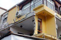 Tuzla'da apartman dairesinde patlama meydana geldi