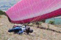 Valinin yamaç paraşütü keyfi hüsranla bitti