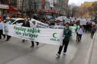 Konya'da Yeşilay sağlık için yürüdü