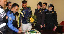 Polislerden Selçuk Şahin'e doğum günü sürprizi
