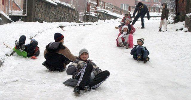 11 Şubat'ta okullar tatil edildi mi, İstanbul'da yarın da okullar tatil mi
