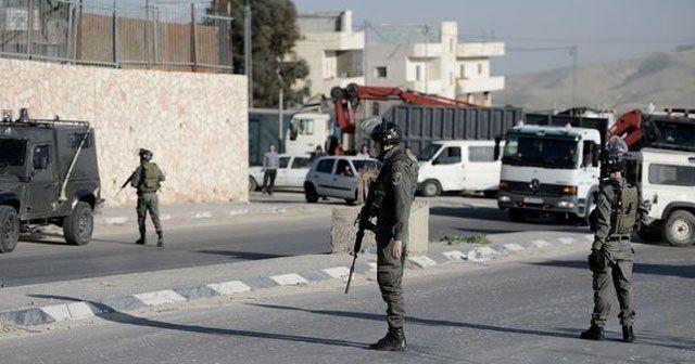İsrail askerleri okula zorla girdi