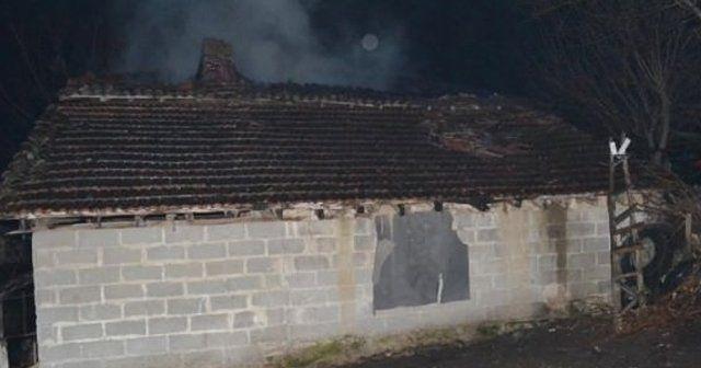 Karabük'te ev yangını, 1 ölü