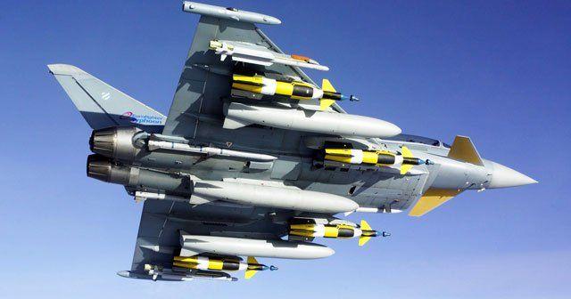 Mısır jetleri Libya'yı vurdu