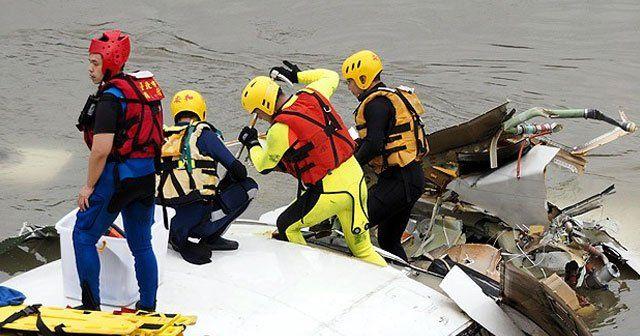 Tayvan'da uçak kazası, 9 ölü