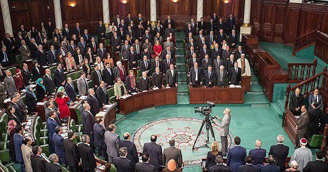 Tunus'ta yeni hükümet güven oyu aldı